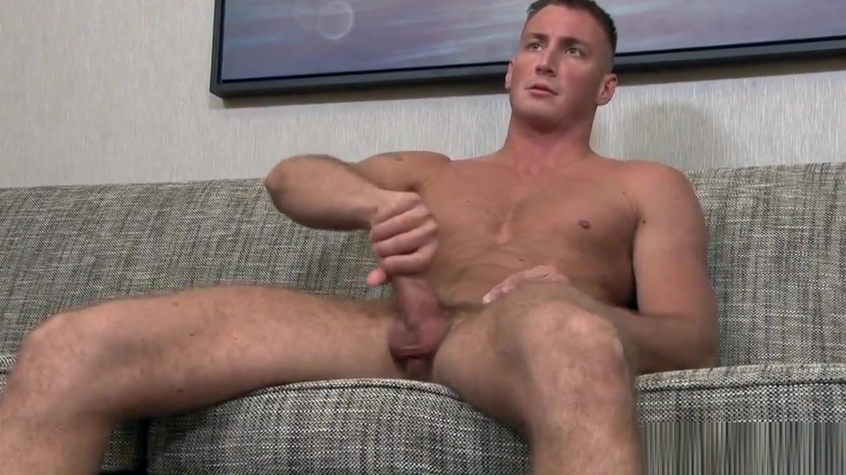 Muscular troop Craig Cameron wanks Black bbw getting dressed