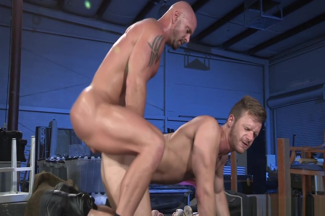 Mitch Vaughn Brian Bonds Lezdom bdsm bondage lesbos loe toy play