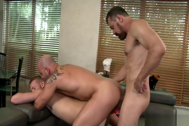 Max Sargent threesome Male cottaging