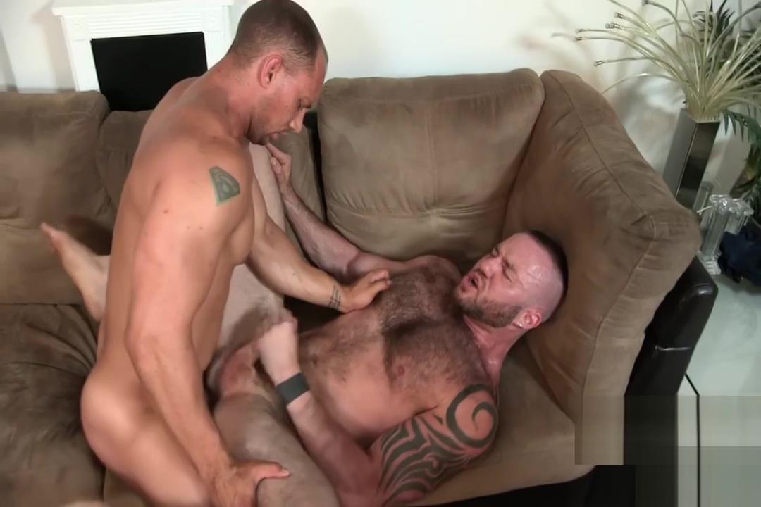 John Magnum, Justin King In jock naked shower