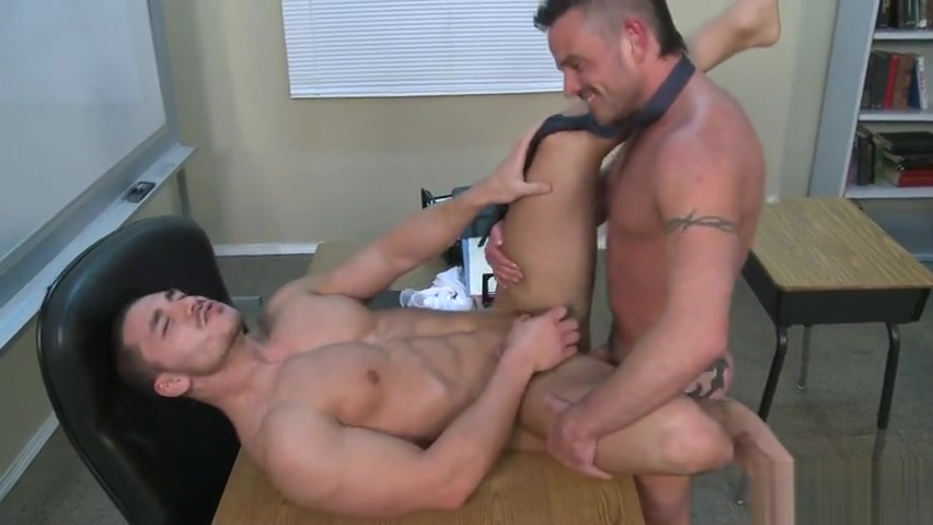 MEN - Ethan Ayers Marc Dylan - Dirty Photos For A Teacher nude clips from shameless