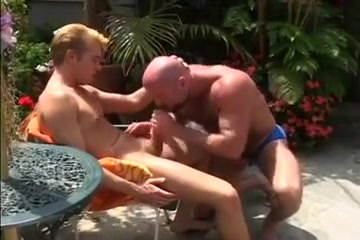 Bear and Boy Fucking juicy lip masturbation pussy