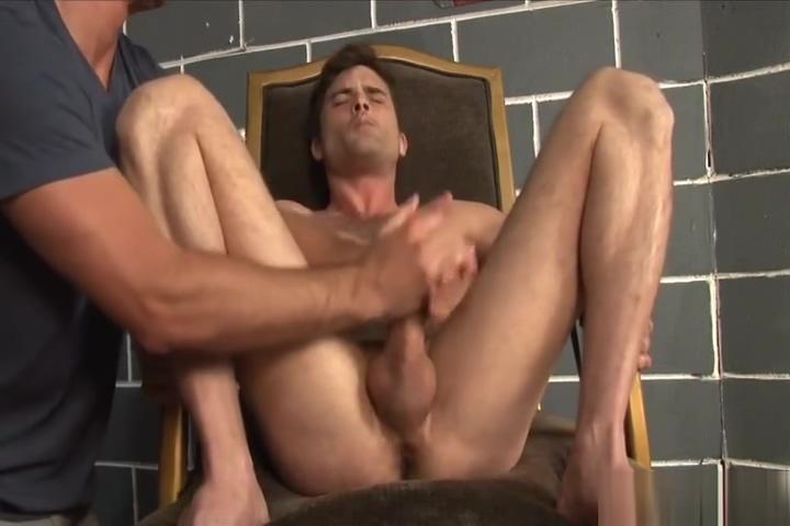 Lances Handjob Short and skinny porn girls