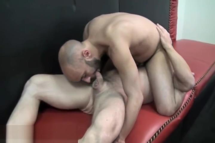 Igor Lucas and Chris Khol closup gay part2 Two lesbians homemade video