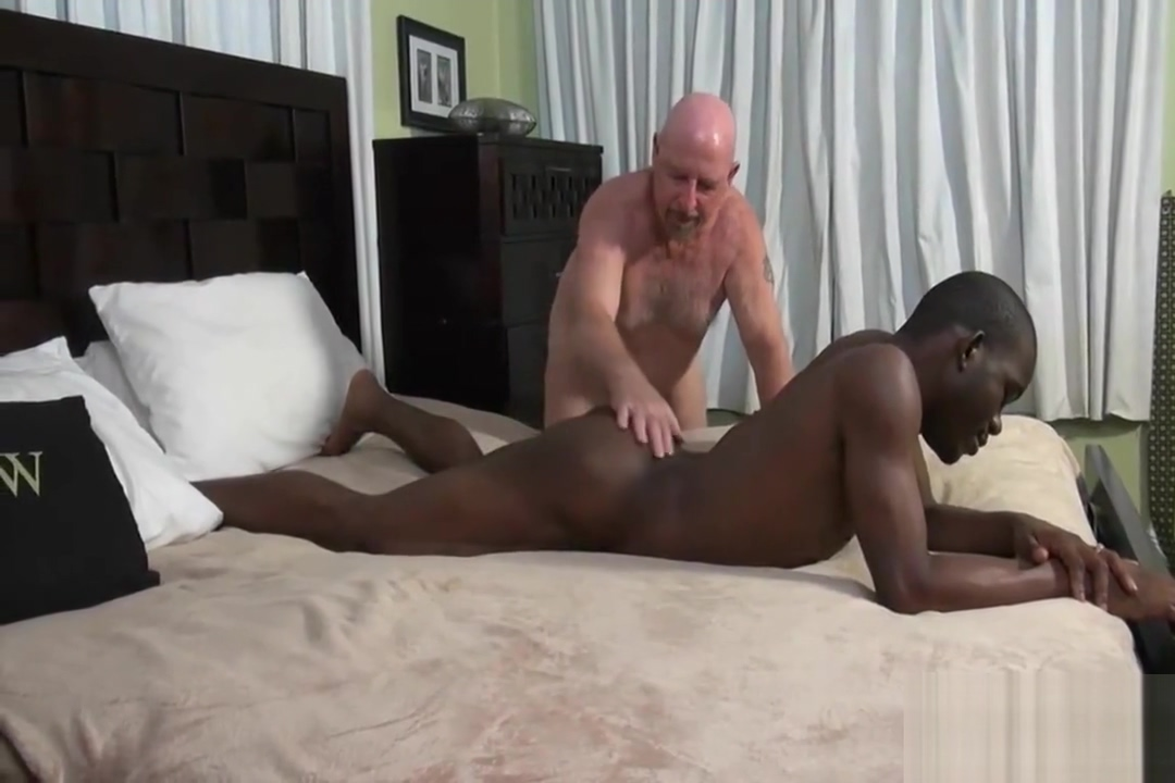 Chuck and German Dad fuck Zion creampie in the shower