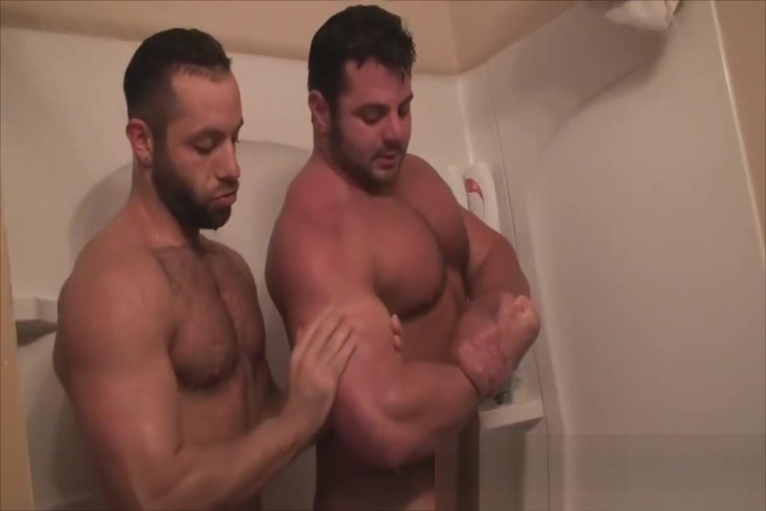 Frank and Anthony shower Alicia keys porno pics
