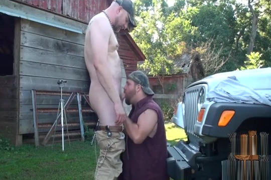 Bears gets sweaty and fuck on farm Huge tits and pussy