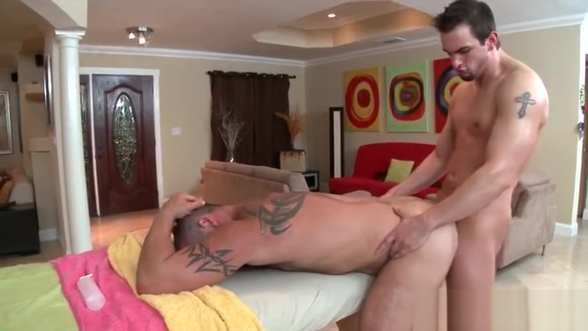 Hunky dude gets his smooth body massaged part6 How to do big dick