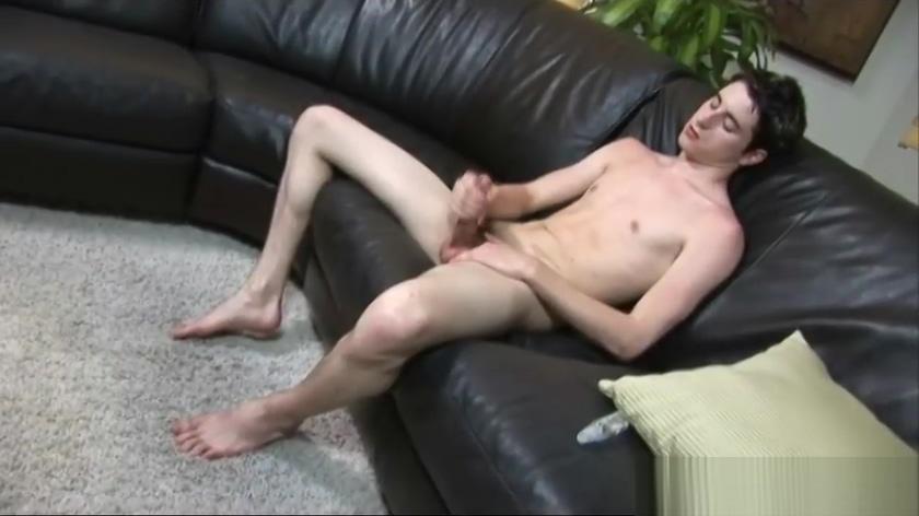 Alex Vaara jerking his nice college dick part1 rachel having sex with two guys