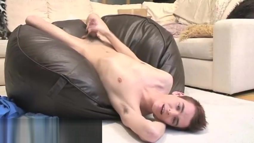 Josh Makenzie jerking his british part3 old man free porn