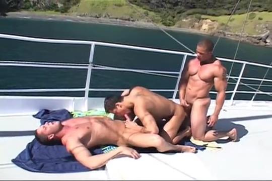Erik Rhodes, Roman Heart and Matthew Rush Threesome sexy bathing suit video