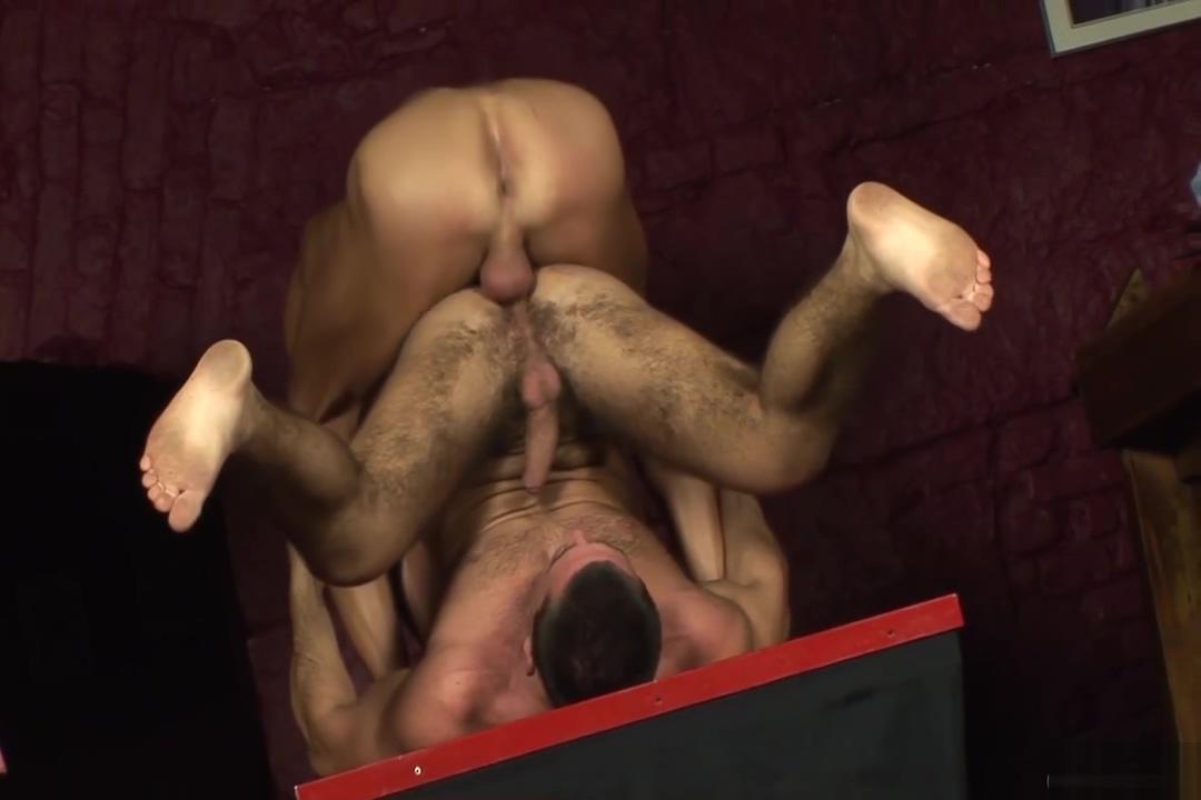 Bare Fuckers Lesbian pornstars licking