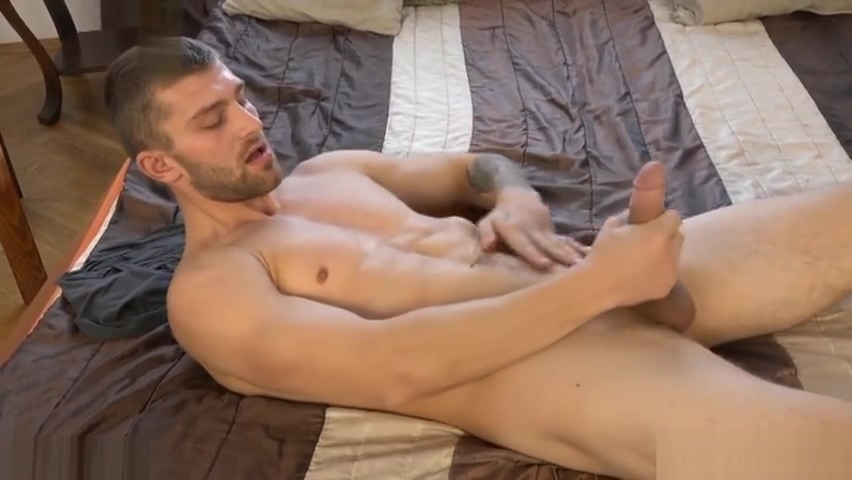 Muscle gay dp and cumshot Nude pics rose mcgowan