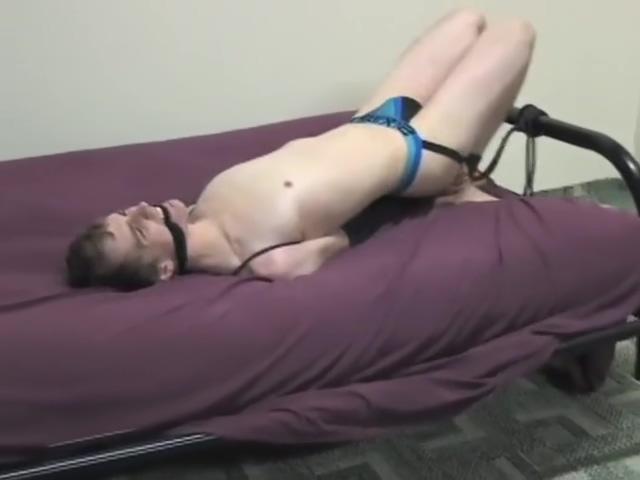 Donovan Arm Wrap Sex with a hot woman