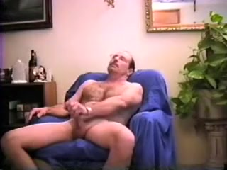 Slutty mandy strokes and gets sucked Bigg And Hot