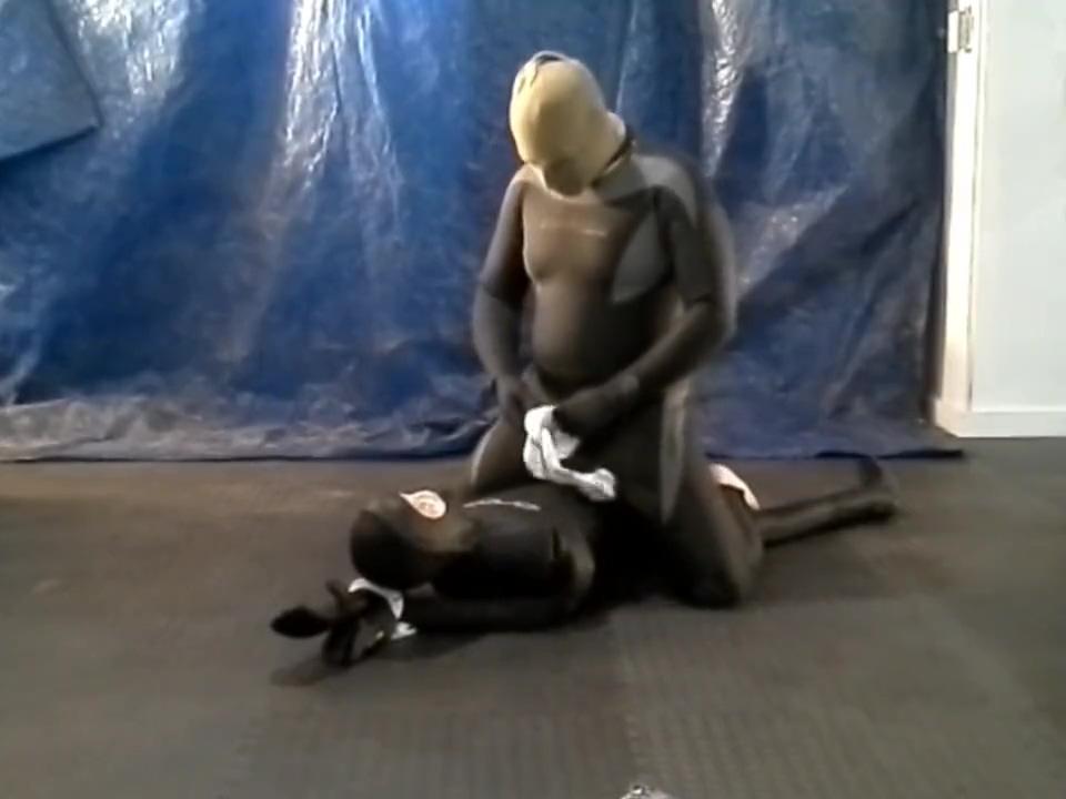 orca lucha wrestler vs masked frogman Speed dating bismarck nd