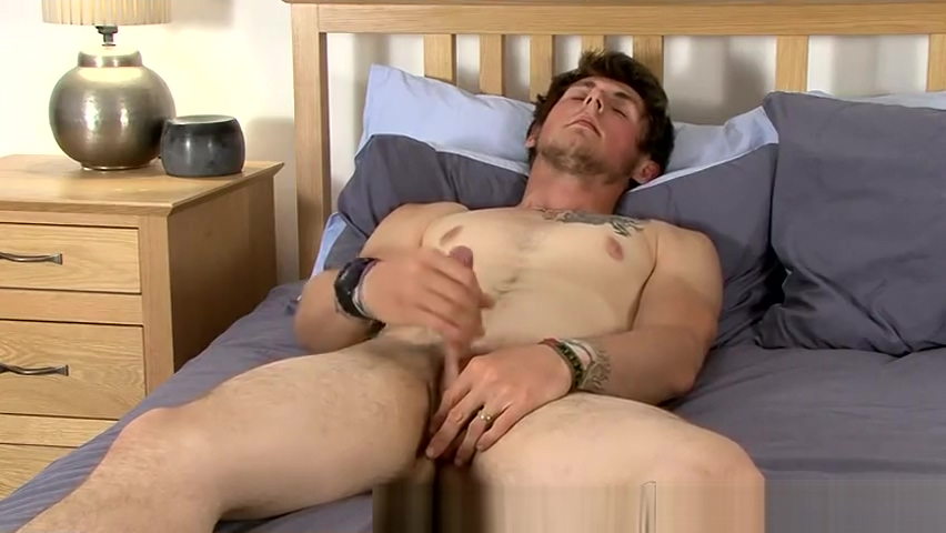 Straight guy Tom wanks one out! cum swallowing ebony whores
