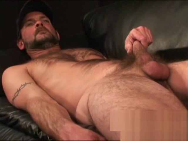 Hard working American strips down for a jerk off No register freeporn shemales