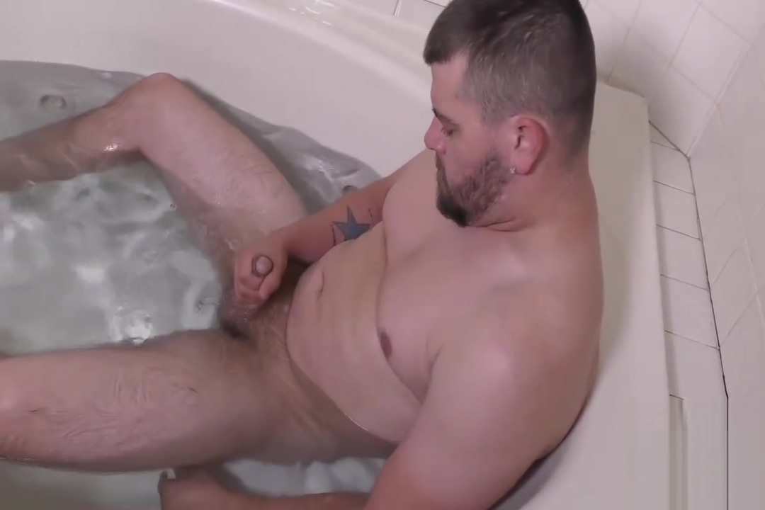 Clark gets a Blowjob and jerks off Amatuer blonde round tits pierced nipples