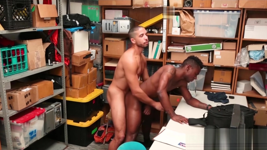 Security officer fucks a tanned black dudes tight hole hard Nude bathing pictures