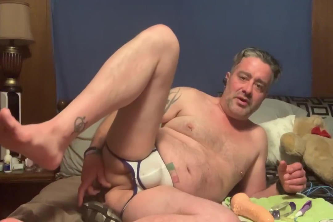 DADDY�S PnP BOOTYBUMP DILDO/ TOY FUN!!!!! Desperate Boys Peeing