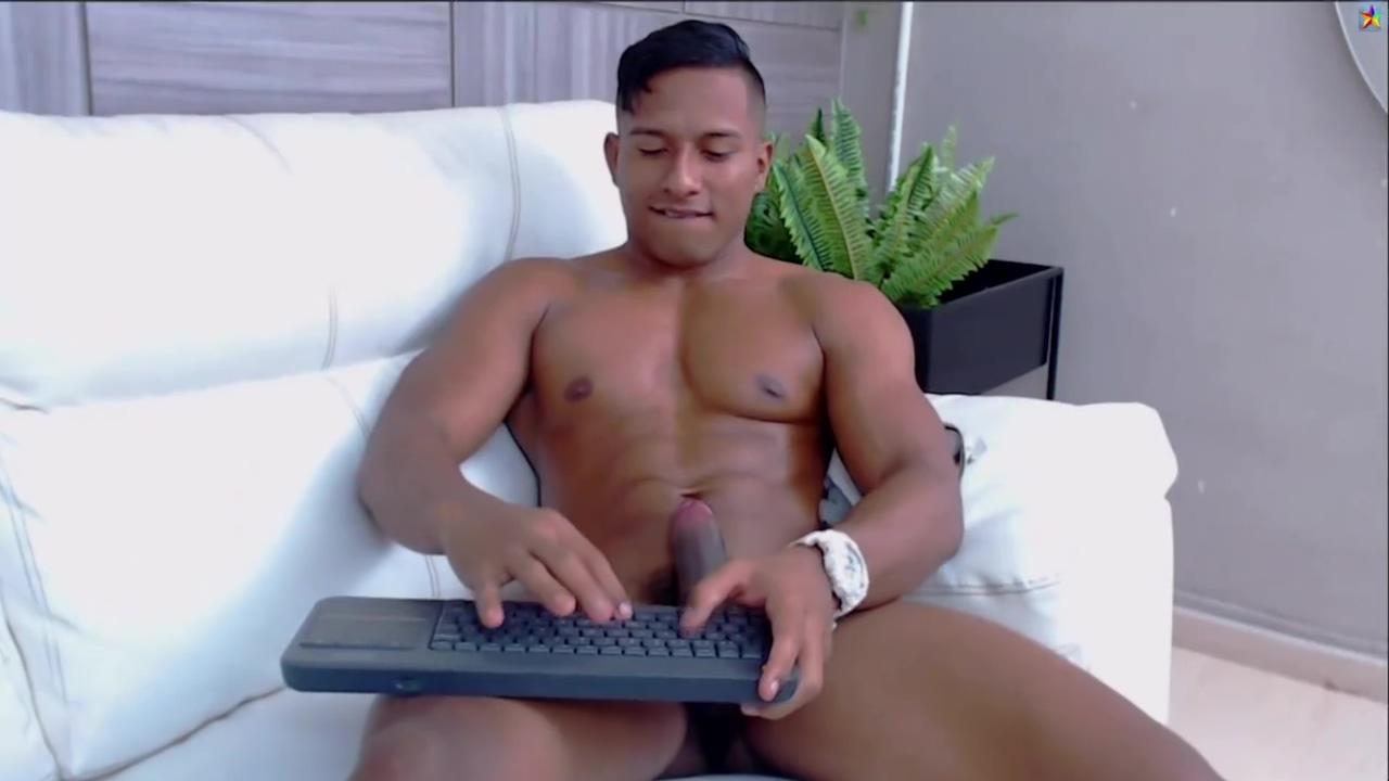 Callum Smith -- Cum eater -- webcam show Cheyenne blowjob