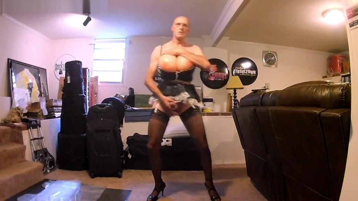 20180820 Maid Hot nude sexy naked pushtoon girls
