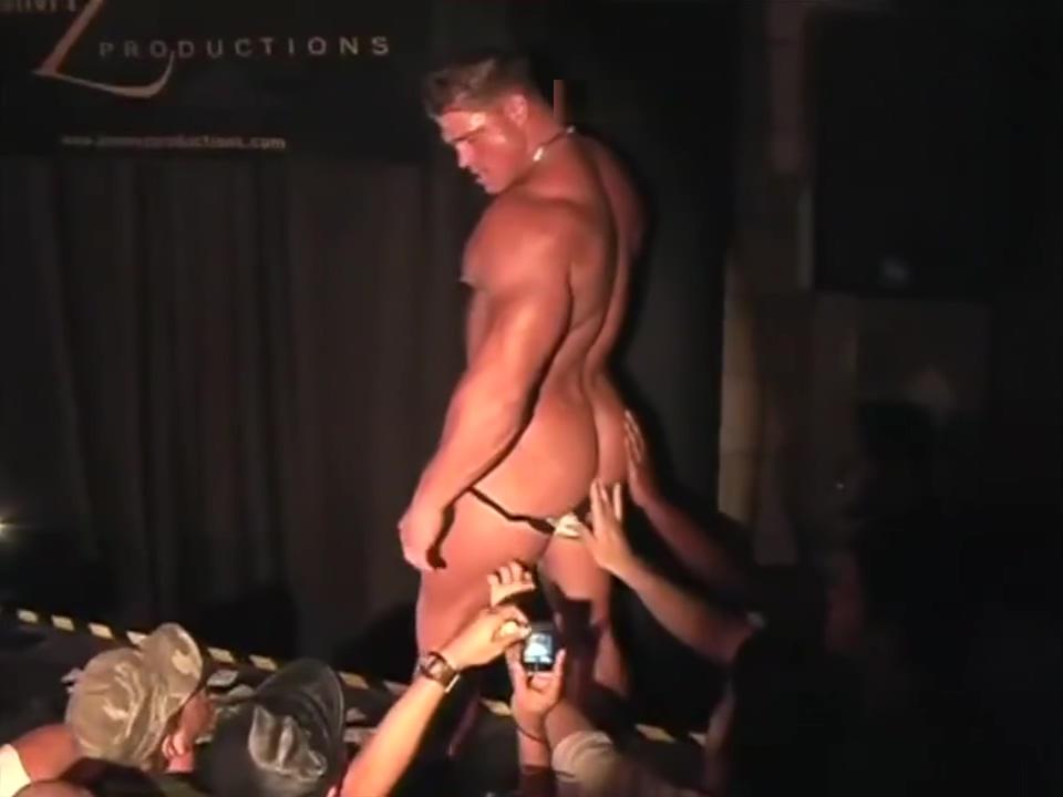 Johnny B strips Free xxx sexy photo