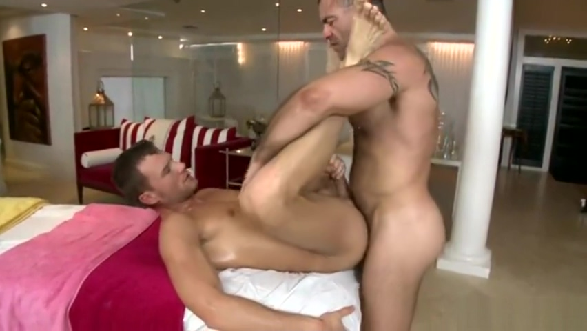 Handsome young jock oiled up and pounded by a hairy muscle daddy Welcome to dating advice with gabby mmd
