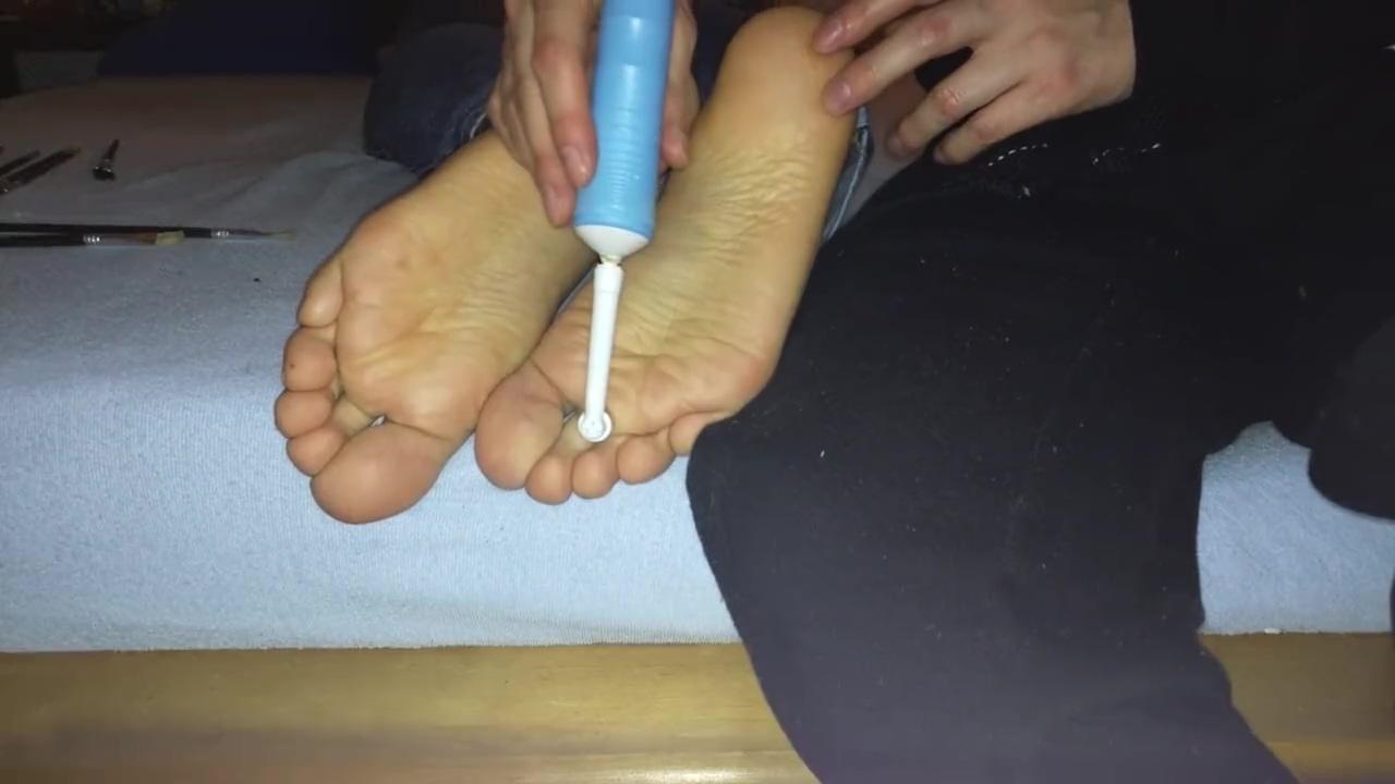 My dudes feet getting tickled balls deep anal sex