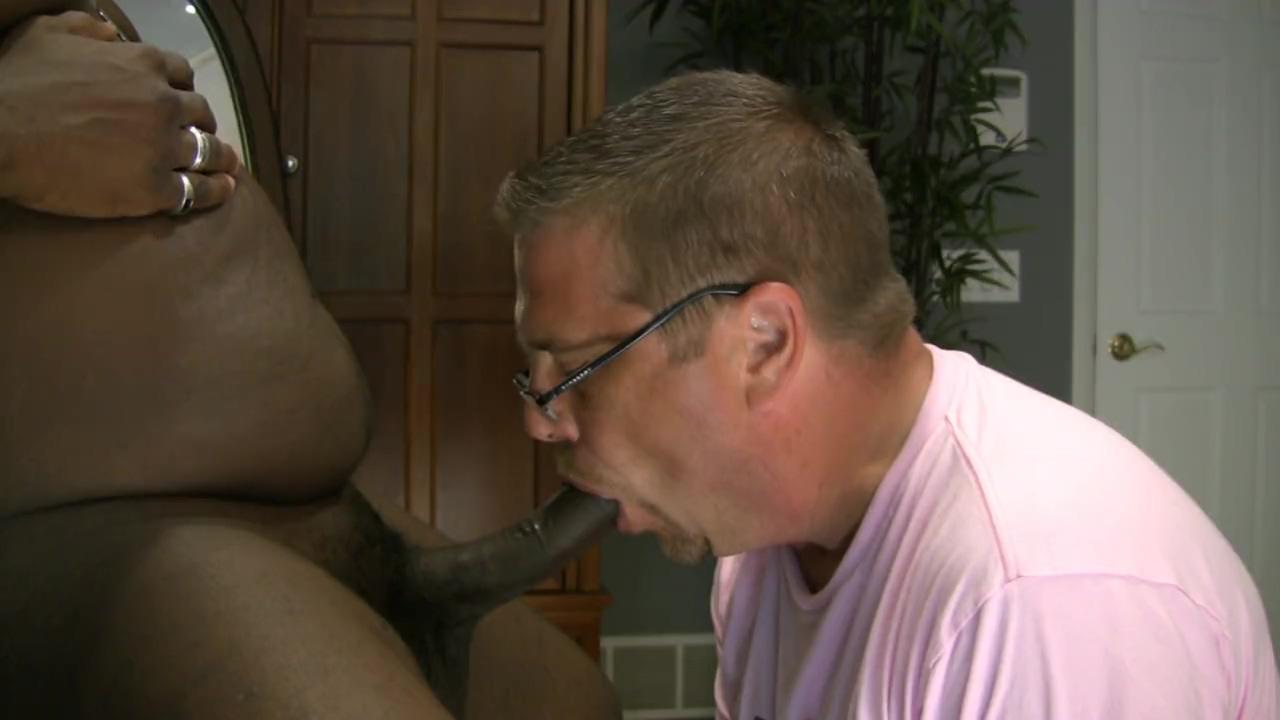 ROB BROWN: I LOVE PENIS CLIP C2 Hot sexy erotic sucking pics