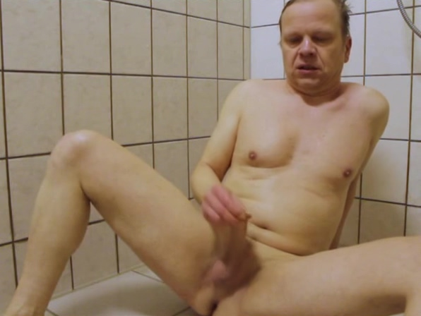 Jochen Edgar under the shower Amature milf fucking