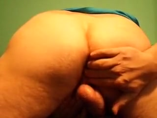 Nasty gay dude tries to fuck himself hd p online porn