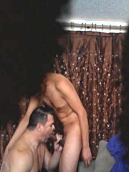 A CHRIS LE ENCANTA MI POLLON - HIDDEN CAM.mp4 bull terrier fuck girl porn