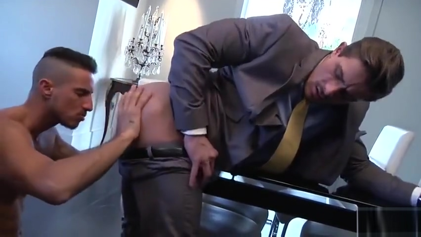 Mi excitante mayordomo Men milked in pantyhose