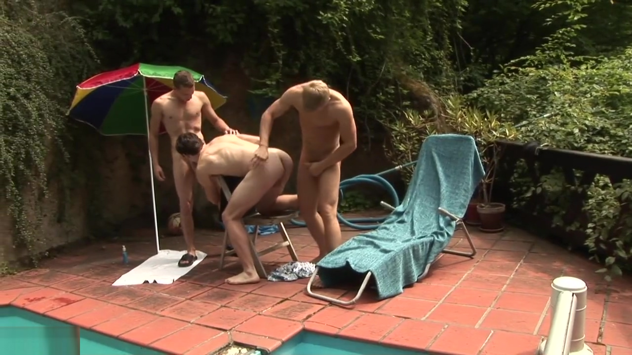 Geiler Bare Dreier am Pool Ebony Amateur Friends Eating Pussy XXX