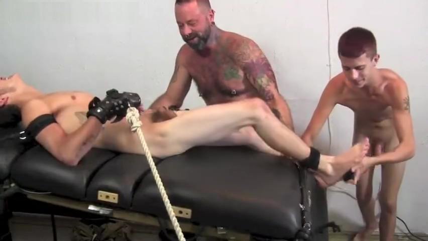 Kae Tickled (featuring Carson) medical nude