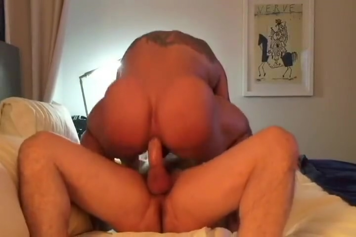 HUGE BODYBUILDER GETS FUCKED HARD BAREBACK PART 1 Japanese Saki Ootsuka