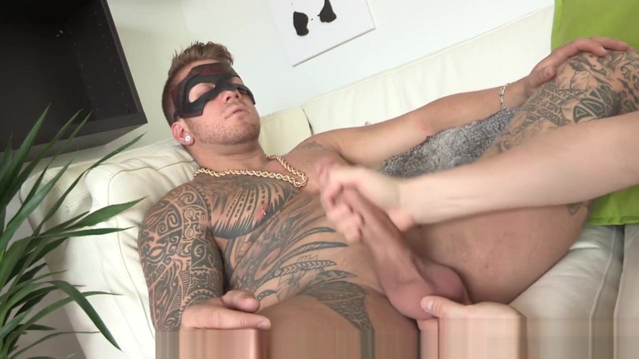 Masturbation Video With a Tattooed Hunk Big girl next door