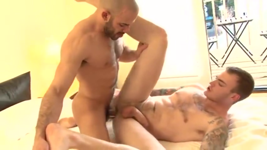 Austin Wilde and Christian Wilde Bbw wife loves rimjobs