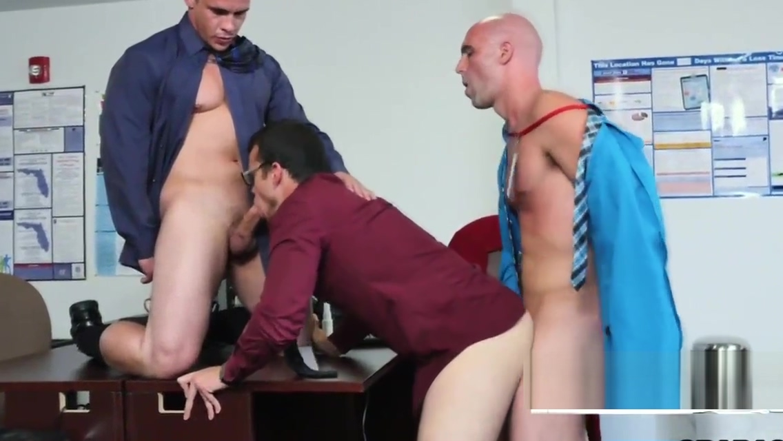 Queer hardcore threesome with white hunks and studs at the office Interracial Milf Tube