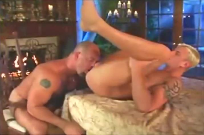 Drew Zak Twilight fanfiction threesome