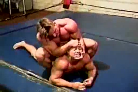 Steve Sterling vs Bodybuilder 2 Upskirt tv steal