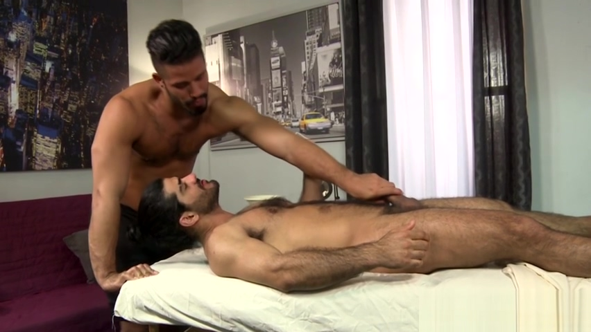 Buff hairy hunk pounding guys ass sex with sister and brother