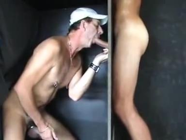 Straight Aussie sucked Cuckold worship feet of lesbian goddesses