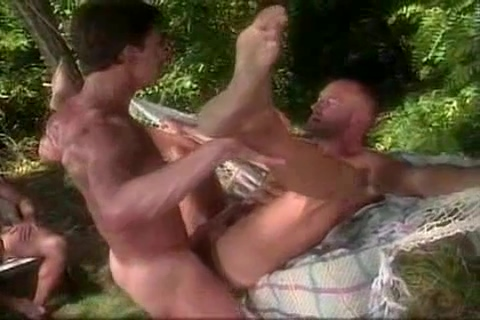 Tom Chase ans Adriano Marque German milf threesome 2