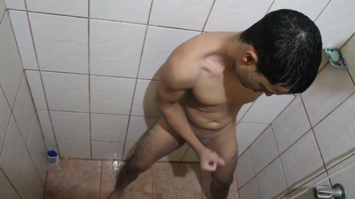 I spy my step bro masturbating in the shower Princess leia and gold bikini