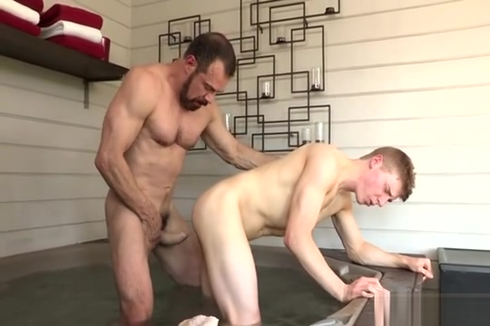 Max Sargent and Alex Tanner Huge ass mature tube