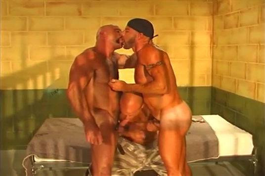 Bear Cage - Part 2 Nude pictures of country women