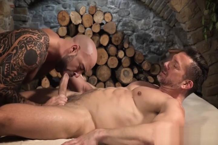 Muscular Men Bareback and Share Cum Origin of swinging bar doors